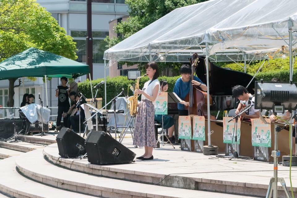 ジャズプロムナード in sendai で演奏する小池さん